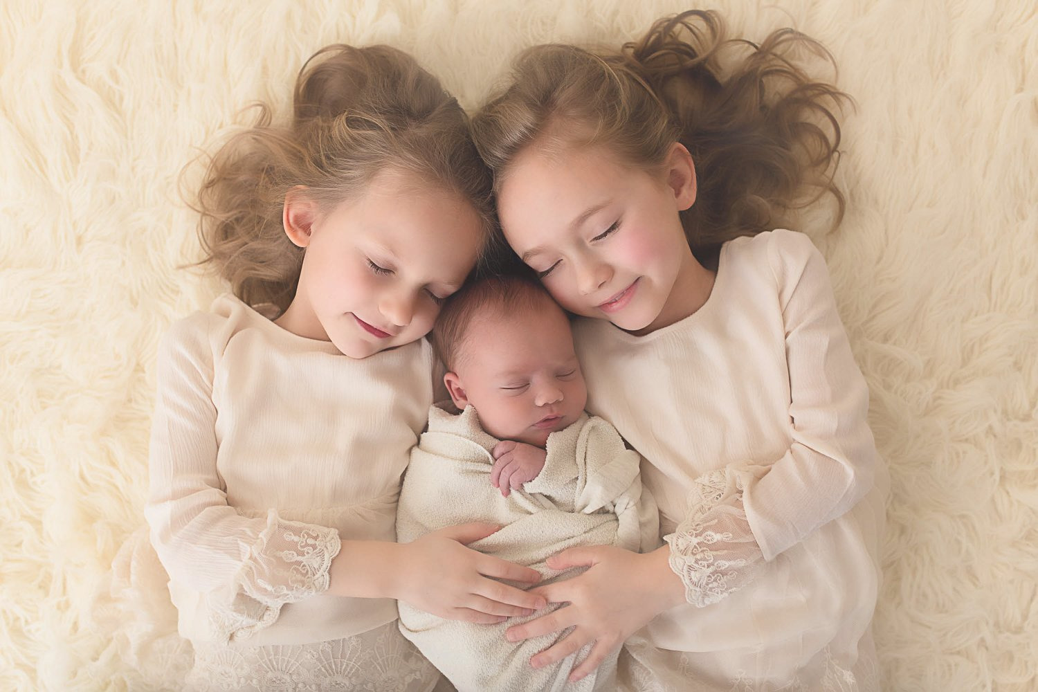 SIBLING LOVE {ST. LOUIS BABY PHOTOGRAPHER}